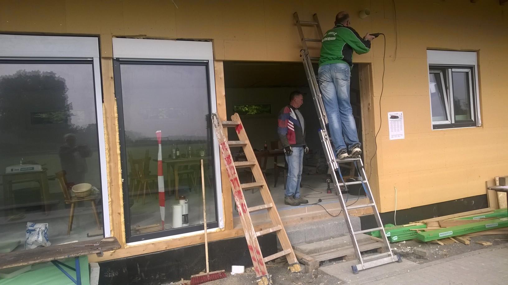 13.09. Lars schafft Platz für die neue Türe