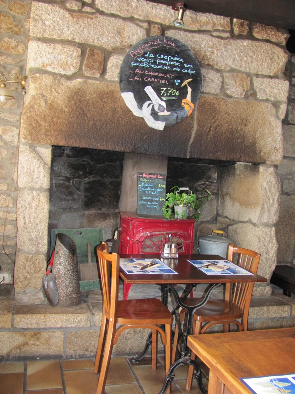 La cheminée de la crêperie Bigoudène