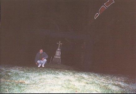 何の変哲もない、シアトル酋長のお墓を真ん中に写した写真だけど・・・