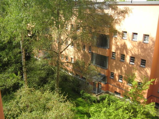 Blick in den grünen Innenhof