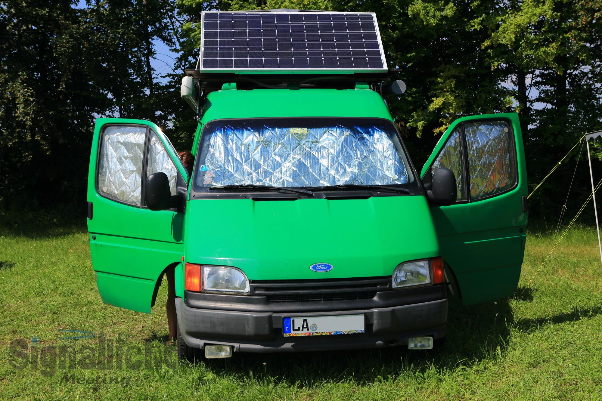 Polizei Ford Transit mit ordentlich Solar - Chris & Ivet
