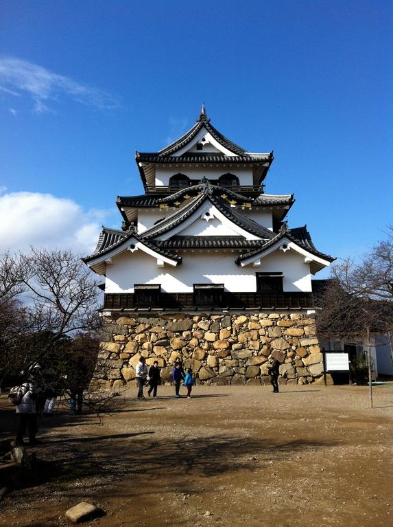 破風と華頭窓が彦根城の美しさかも?