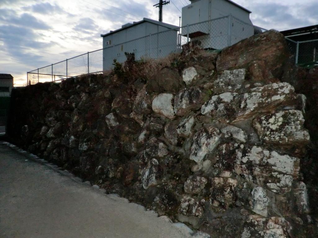 破却された加納城の中で数少ない遺構の一つ、二の丸に残る石垣
