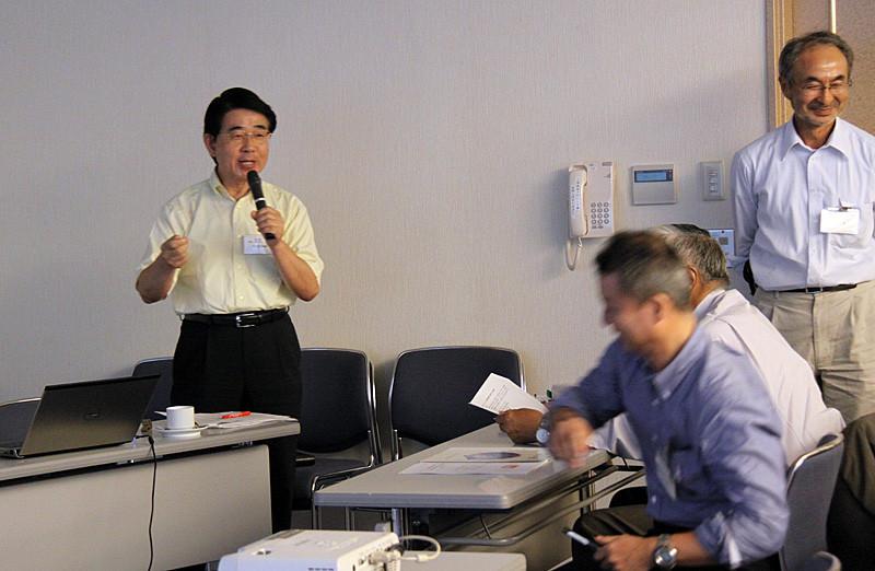 多比良和誠氏(佐世保高専OB)による特別講演者平尾一郎氏の研究紹介1
