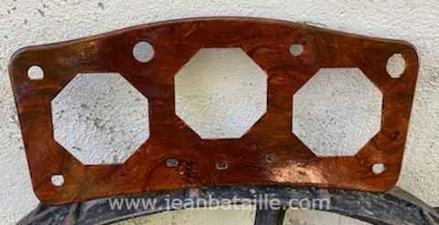 Voiture MG : tableau de bord en faux bois