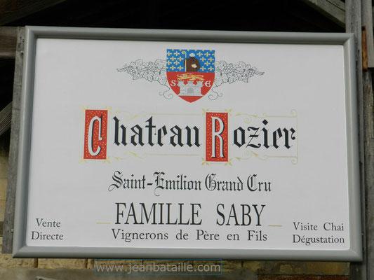 Reproduction d'une étiquette de vin sur panneau en fibre de verre