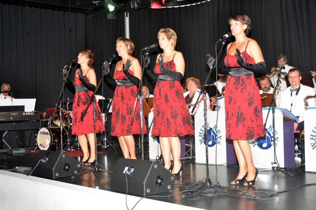 "Es singen die ""The Ladies Voice"" mit Big-Band"