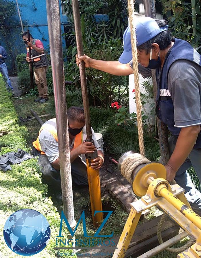 Equipo y personal especializado para realizar estudio de mecánica  de suelo