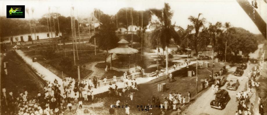 Plaza principal 1940 (foto archivo Lepawap)