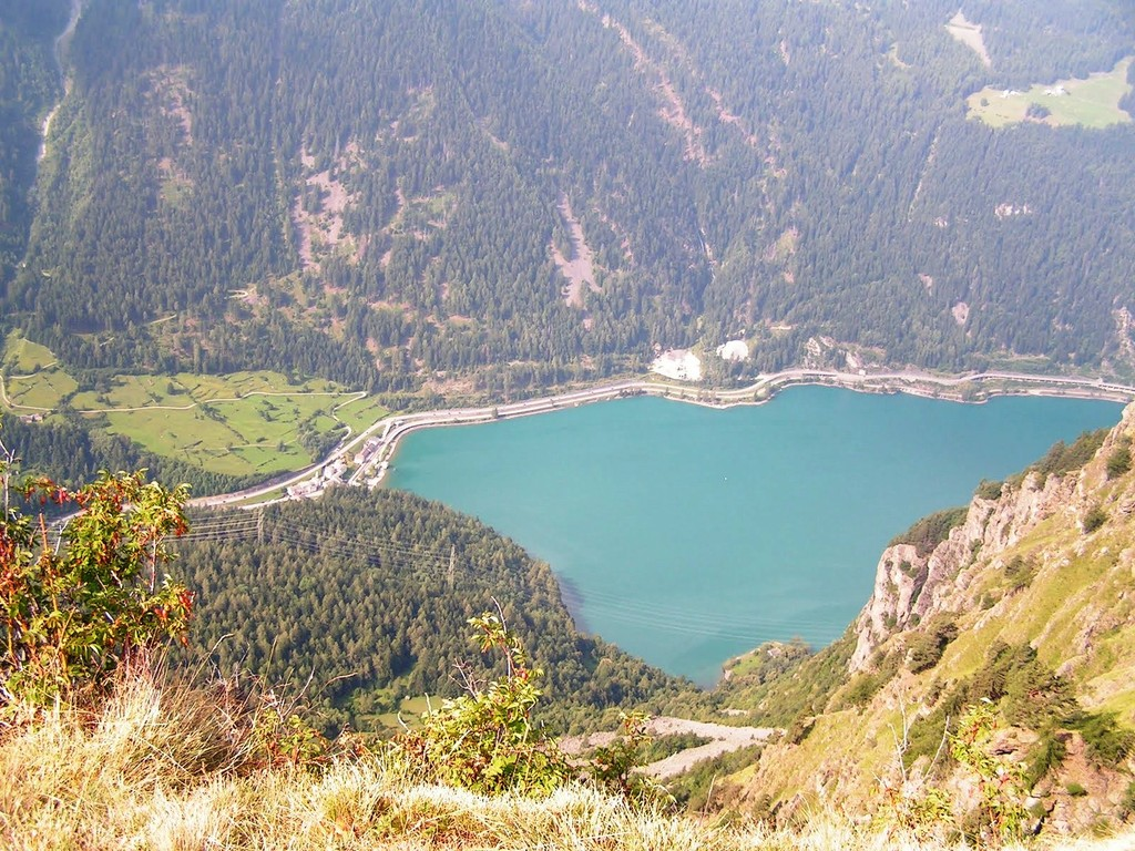 Von dort unten - am Lago di Poschiavo - kommen wir