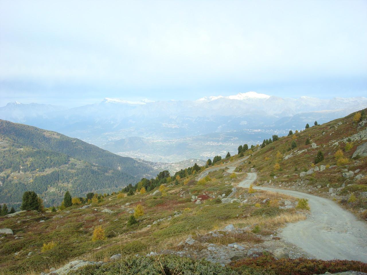 auf dem Höhenweg nach der Cabane Bella Tola Blick Richtung Rhônetal