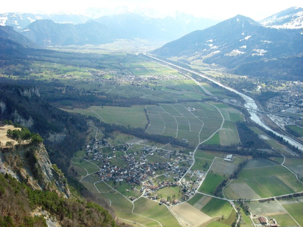 Sicht auf Fläsch und Maienfeld