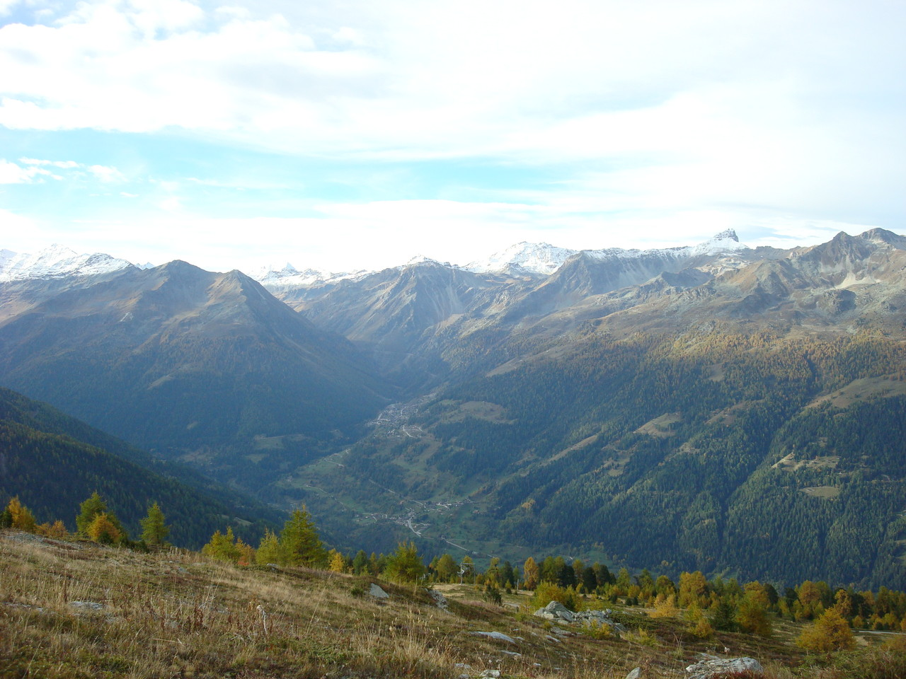 Das Val d'Anniviers verzweigt sich - links nach Zinal, rechts nach Grimentz