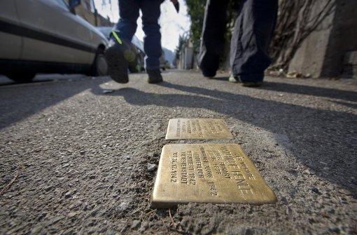 Mehr als 800 Stolpersteine erinnern in Stuttgart bereits an Nazi-Opfer. Foto: Archiv/Achim Zweygarth