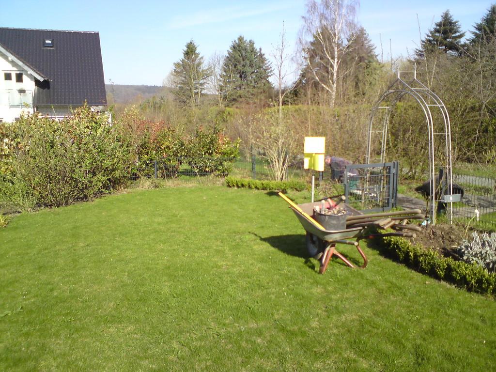 An diese Stelle soll ein Pavillon-Gartenhaus gesetzt werden.