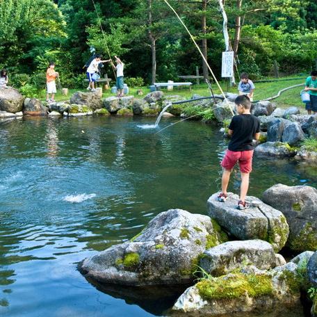 釣り堀休業のお知らせ【角神湖畔 青少年旅行村】
