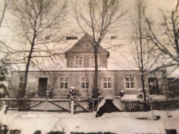 Geliebtes Elternhaus, Gut Sturmen um 1935 Foto: Vera Schlopsnies