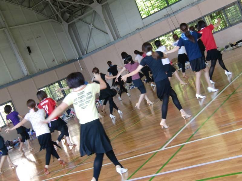 ダンスの練習はホント儀式