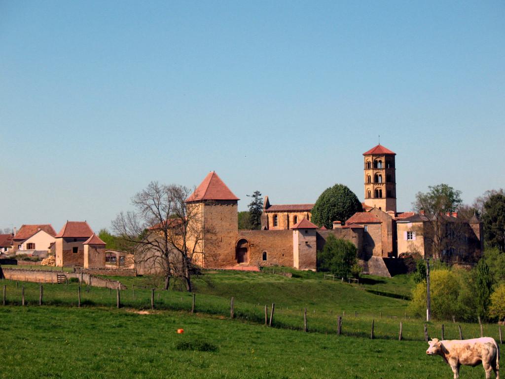 L'église romane d'Anzy le Duc et son prieuré (Article sur la revue N°22)