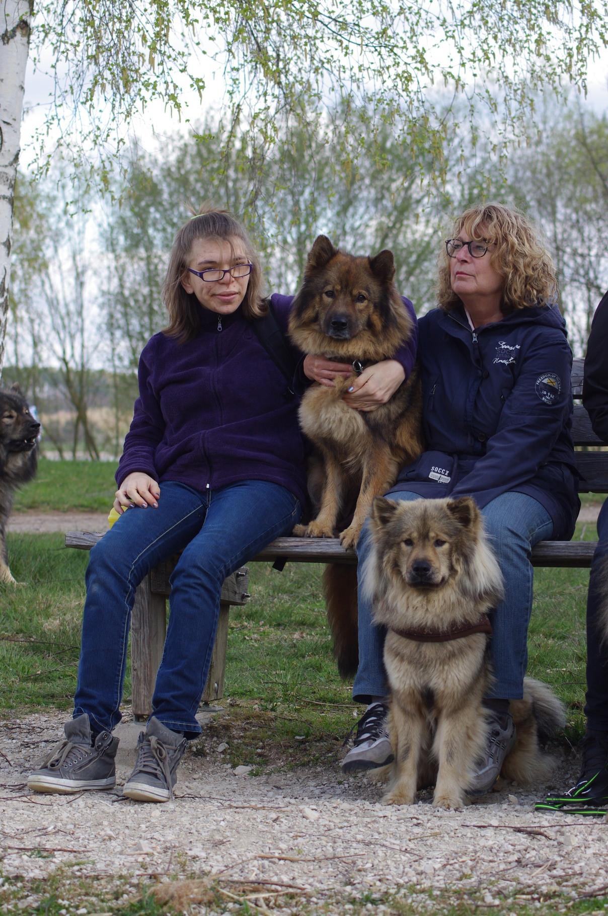 Celine und Marga mit Baja und Batayah