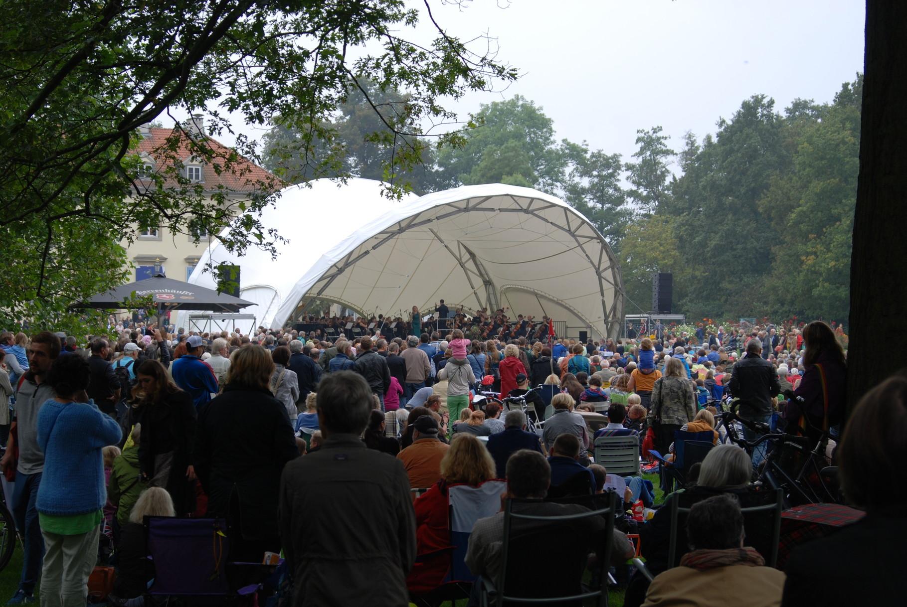 Orchester Open Air, Klassik Open Air, Georgengarten Hannover vor Wilhelm Busch Museum