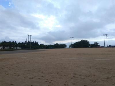 朝方の天神山野球場