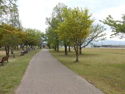 2021/05/01公園で運動している人もいました。