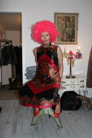 karneval im secondhand-entlarvt köln