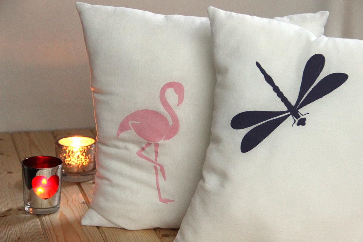 Flamingo und Libelle