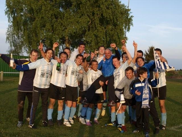 Nach dem Aufstiegsspiel in Waldkatzenbach (12.05.2010)