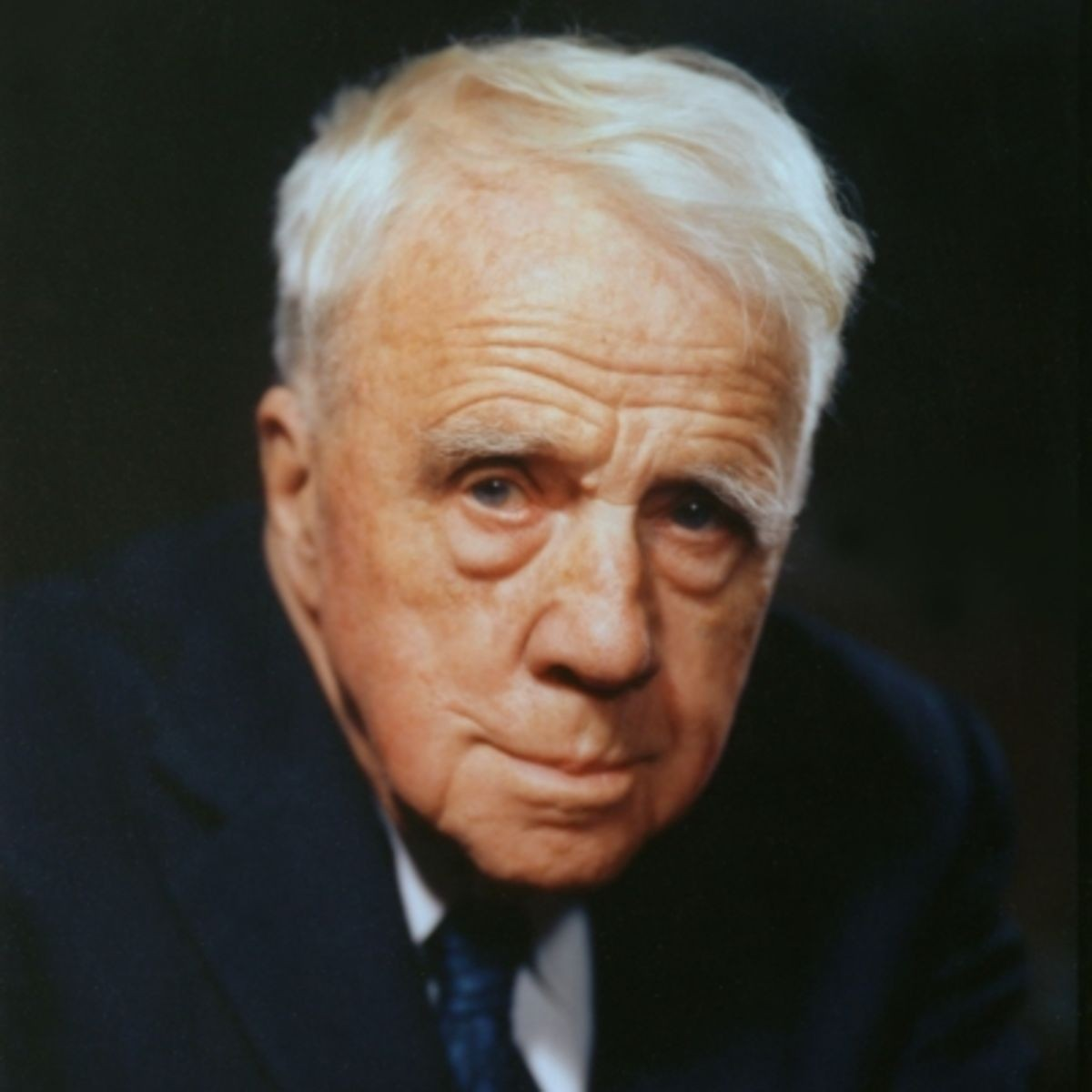 a biography of robert lee frost a poet Robert frost robert lee frost was an american poet  missing a poem of robert frost know another great poem from robert frost don't keep it to yourself.