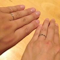 シンプルで飽きのこないデザインを気に入りました。長く付き合っていけそうです!2人にピッタリの指輪が見つかって嬉しく思っています♪ありがとうございました。