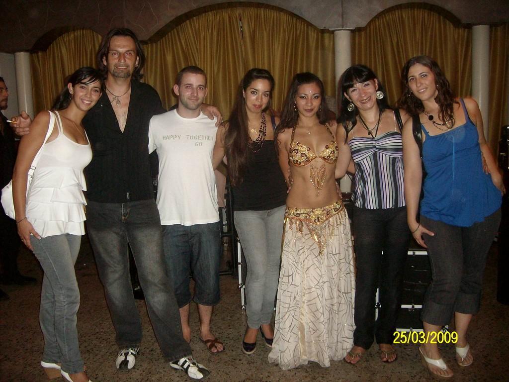 "En la inauguracion del estudio de ""Danzas Fenix"" de mi Maravillosa amiga Shayira Annum"
