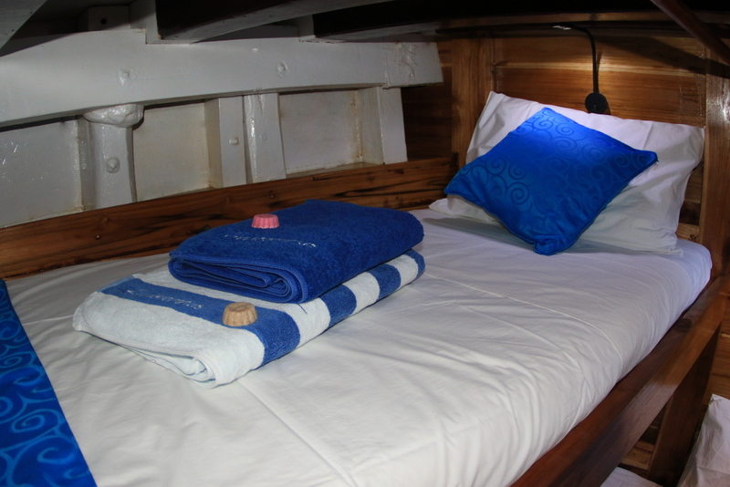 TidakApa'Pa new twin cabin : Upper Bed