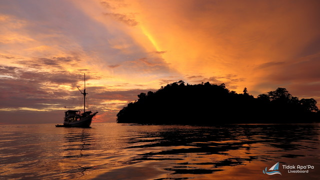 TidakApa'Pa on sunset Raja Ampat