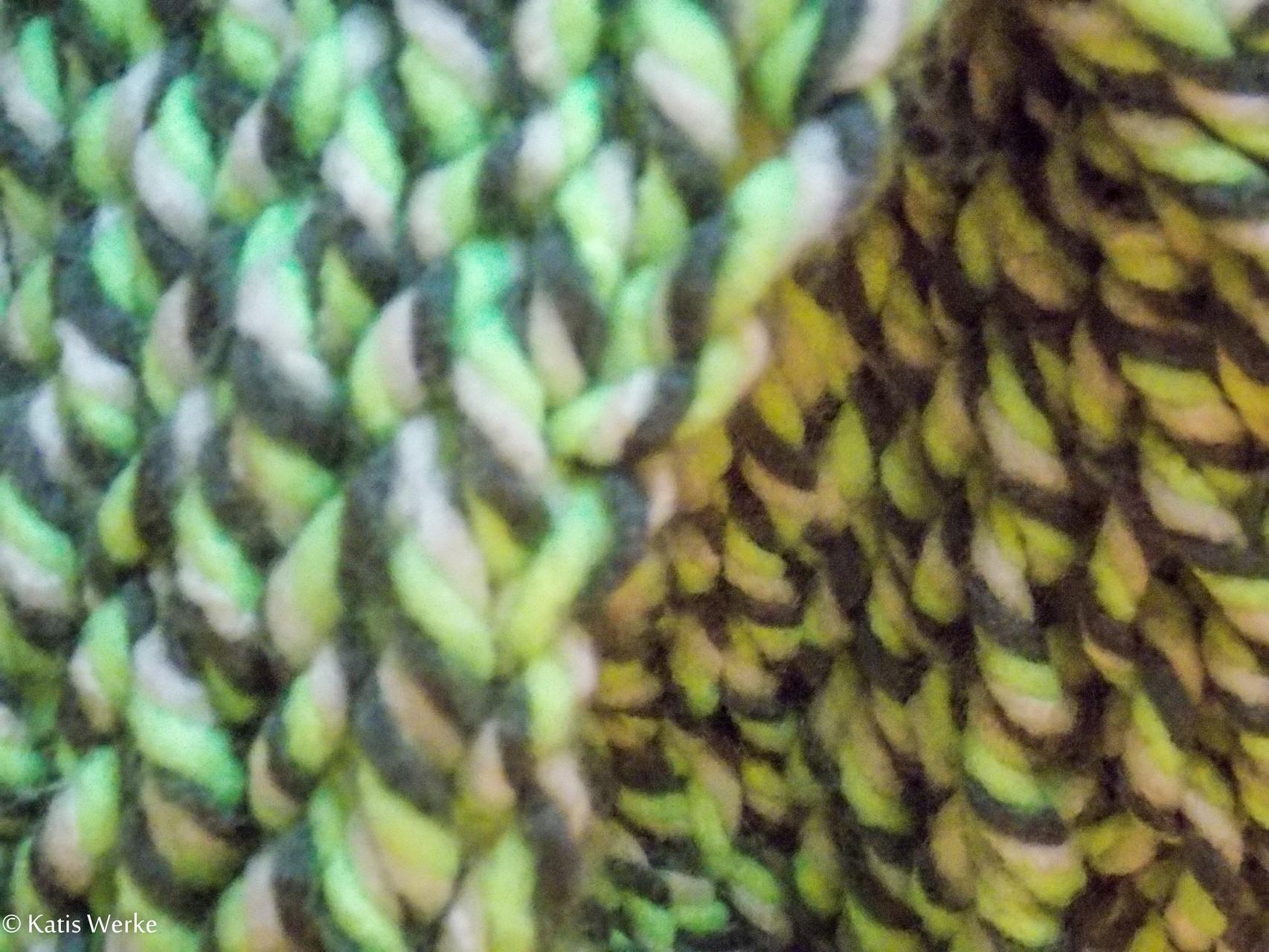 1 Knäuel = 1 Loop in grün