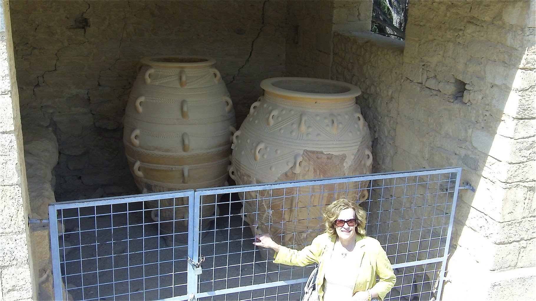 Lorraine with Minoan storage vessels, Knossos Palace