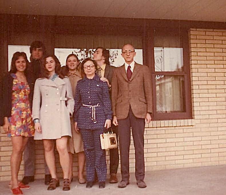 Lorraine Gudas; Paul, Ann, Cindy Wagner; Helen Jaeger, John Wagner, & Lenny Jaeger summer 1973, Dubuque, Iowa