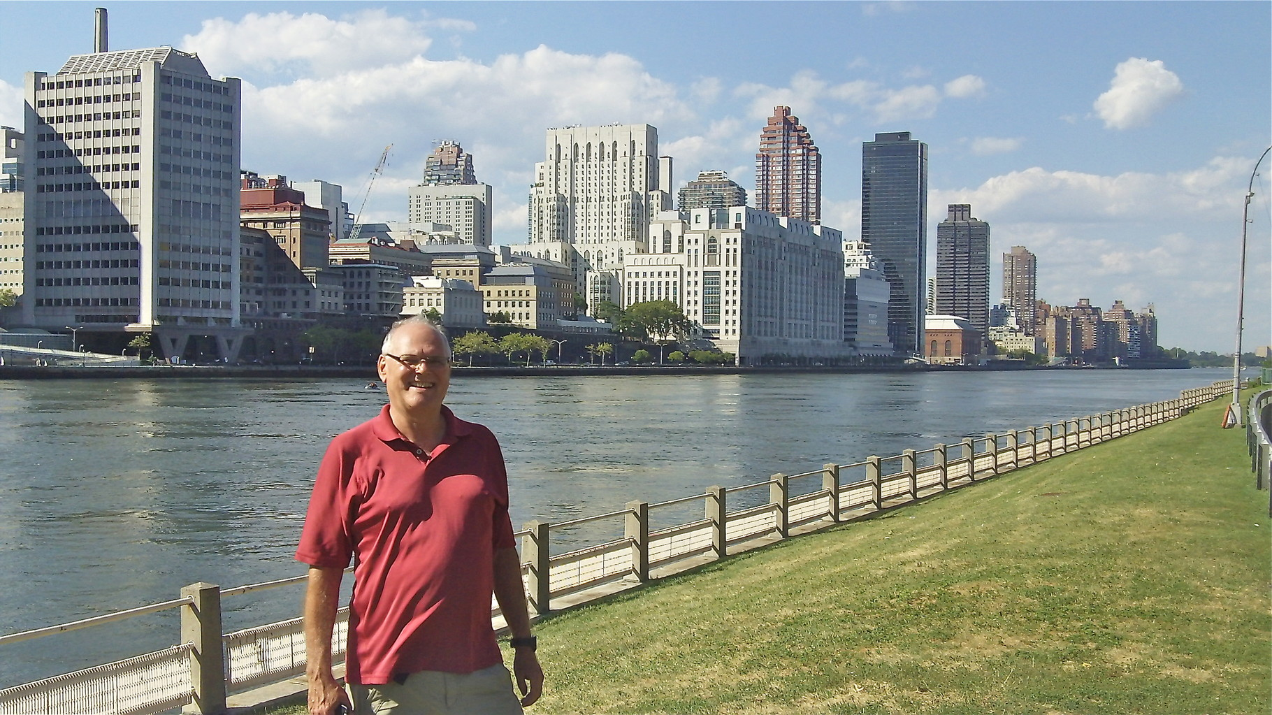 Bernd on Roosevelt Island with Weill Cornell in the background