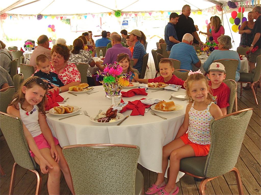 Margaret & grandchildren Maggie, Owen, Reagan, Braden, Riley, Ella.