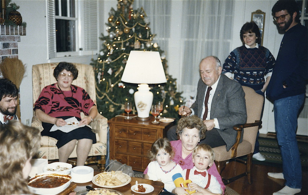 John, Eleanor, Helen with Casey & Greg, Al, Jean, Rusty Rich about 1986
