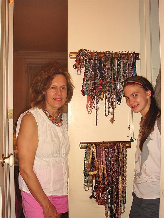 Lorraine & Ellie, Jewelry organized