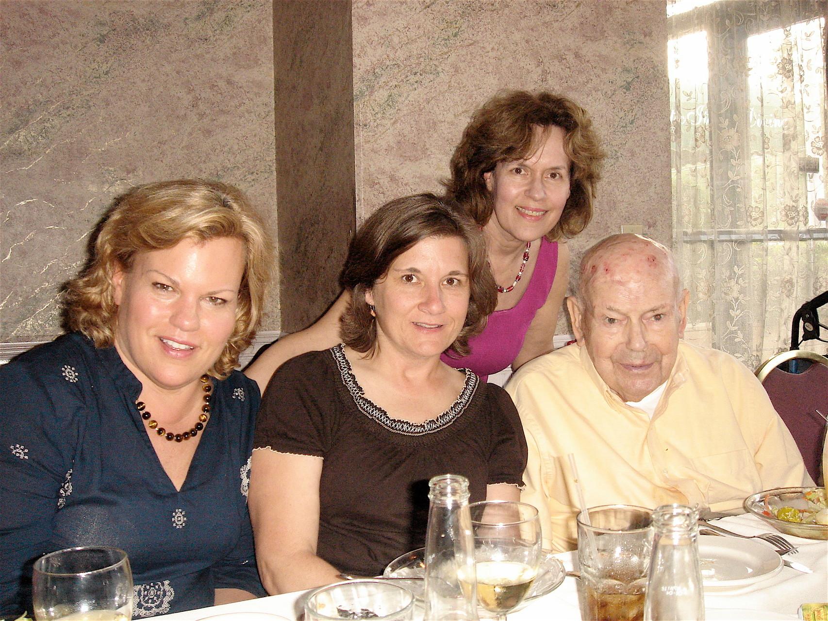 Celeste, Cyndi, Lorraine, & Al Gudas Memorial Day, 2012