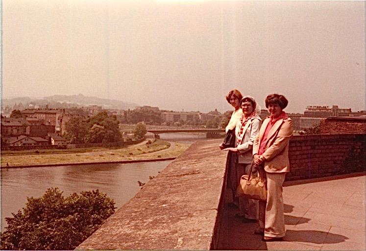 Lorraine Gudas, Mayme Baldyga, Eleanor Gudas at Wawel Castle, Cracow, Poland