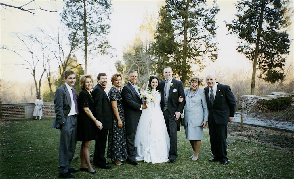 1996?  Greg, Lorraine, John, Celeste, Stuart, Allie, Stuart Jr., Eleanor, Al Gudas