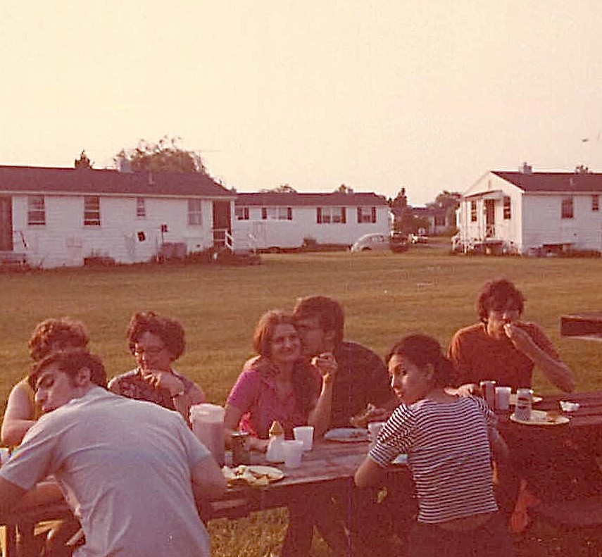 picnic at Butler Houses, Murray Weingarten, Dana & Dave Mace, Sukrya Baykan, John Wagner 1972