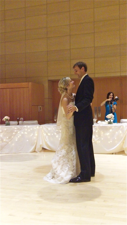 Emily and Nick Wagner's first dance