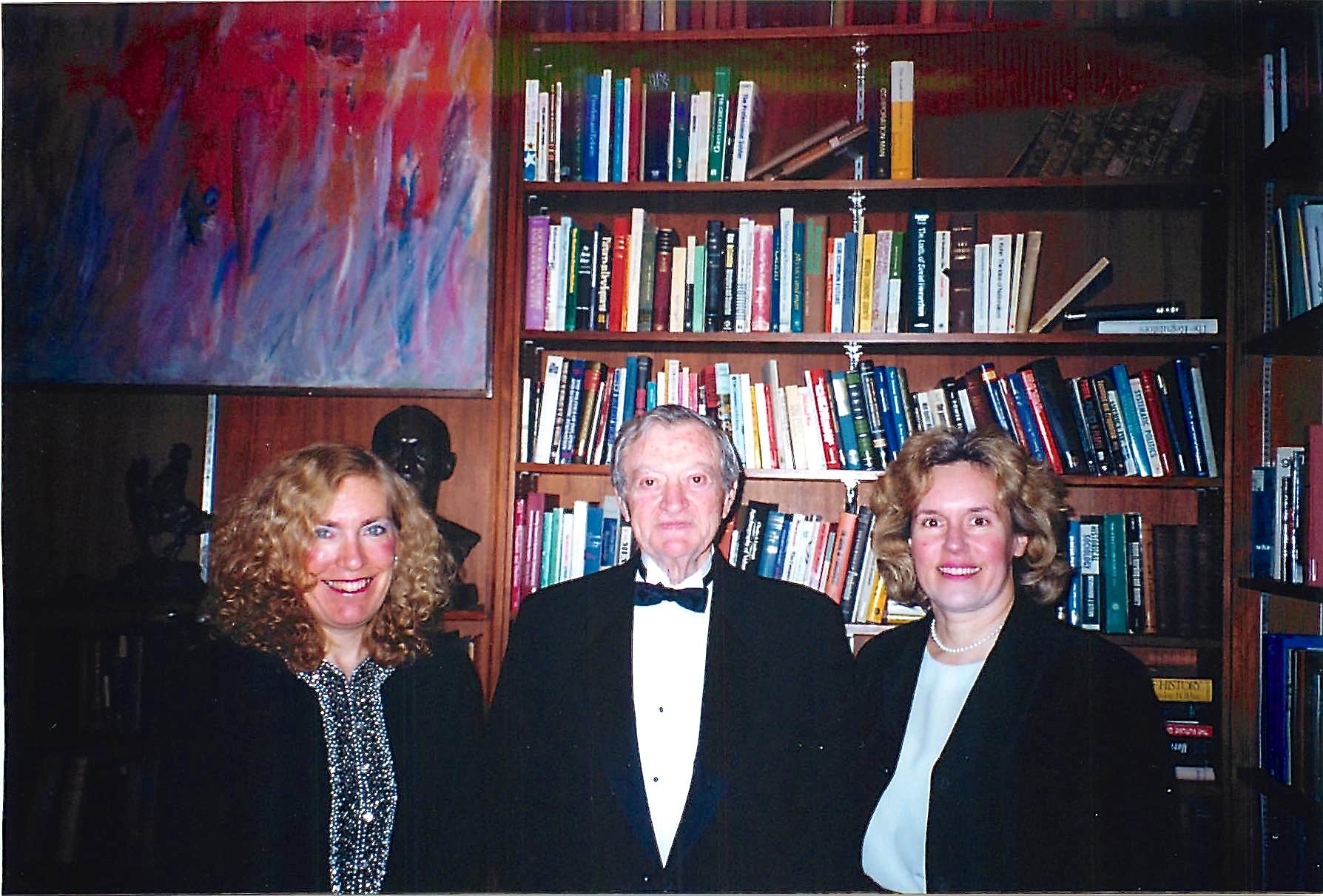 Elaine, Charles Gilvarg (her thesis advisor at Princeton) & Lorraine Gudas 1999 Harvey Lecture NYC