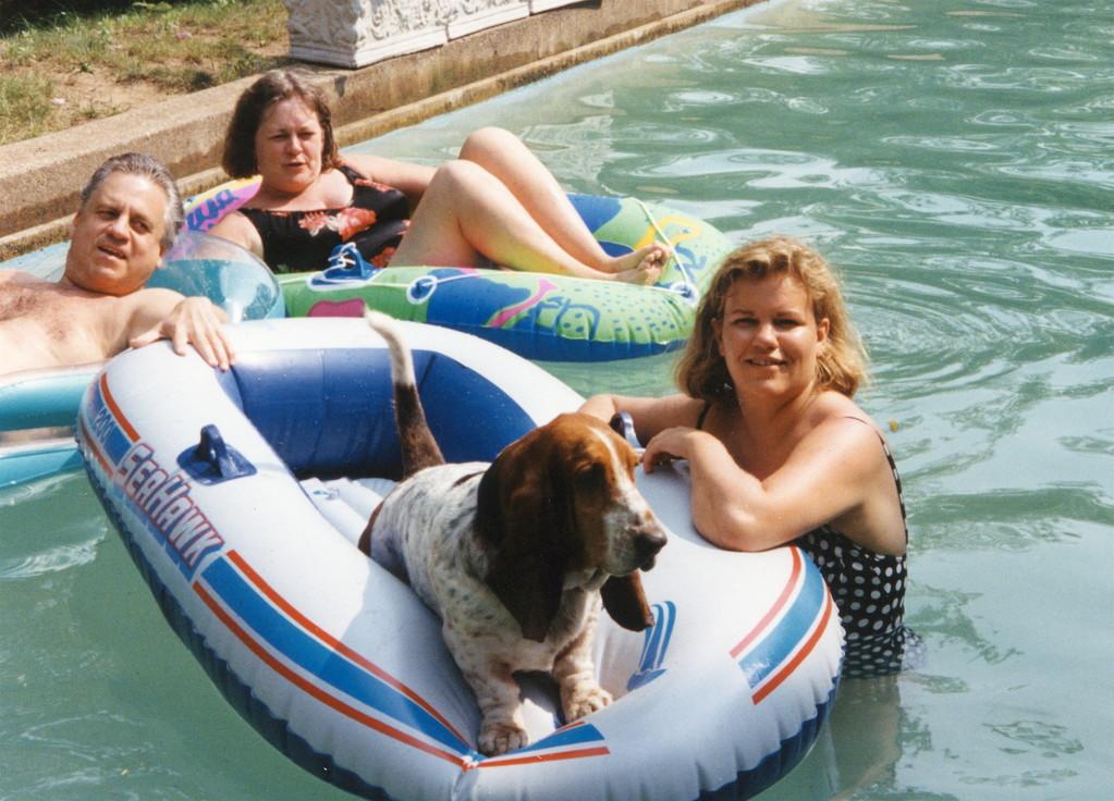 Stuart, sister Kathy, Chauncey, Celeste 1990