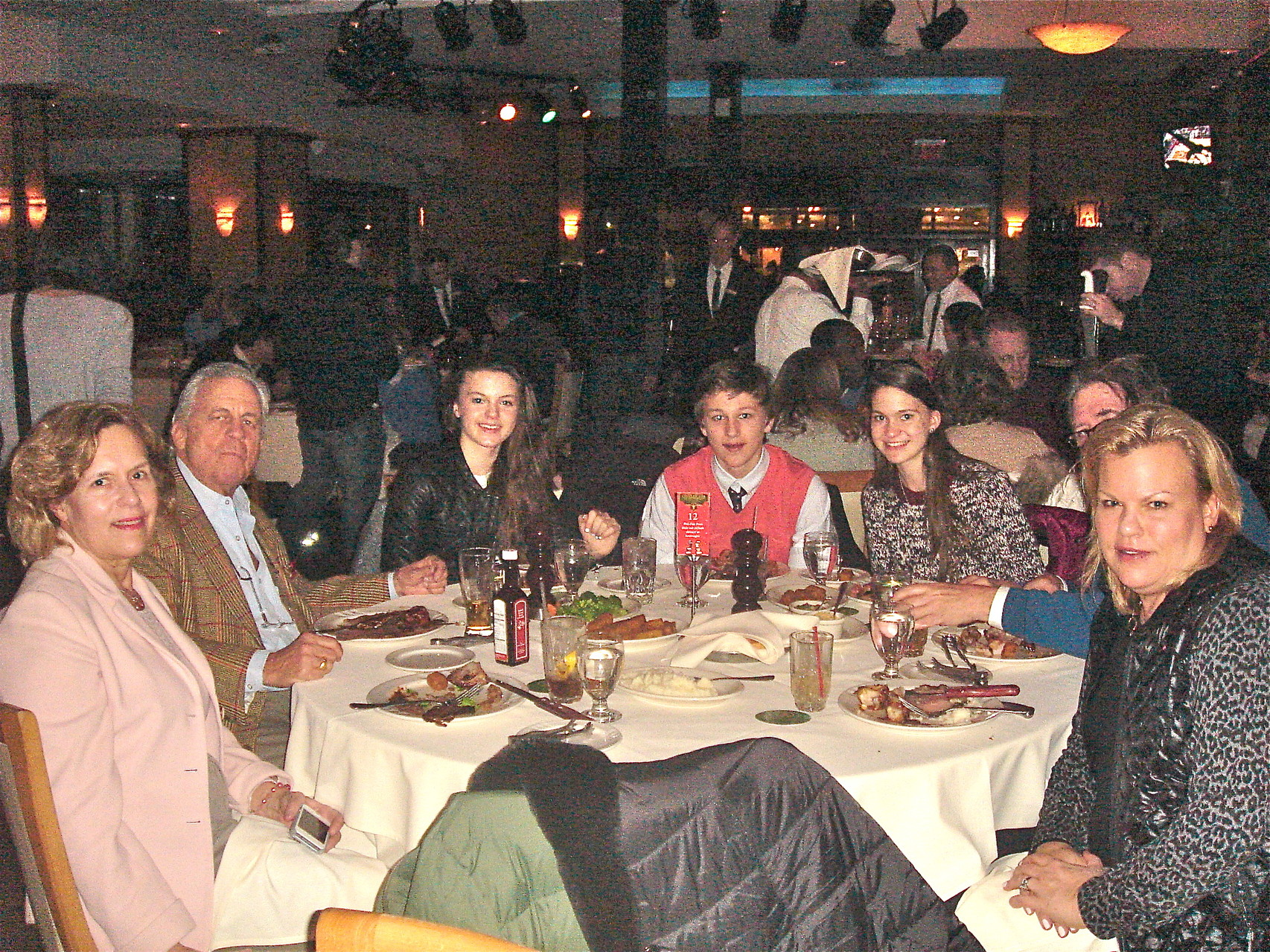 Lorraine, Stuart, Kate, Jack, Ellie, John (hidden) & Celeste at Churrascaria Plataforma
